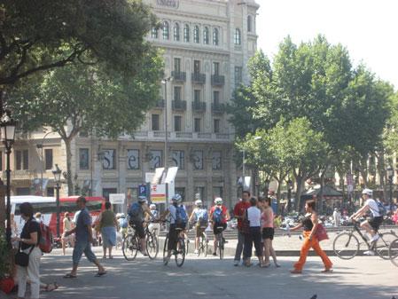 Plaza Catalunya, Barcelona Bike Rentals, Passeig de Gracia, Las Ramblas