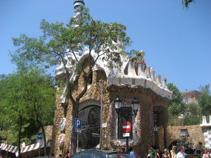 guell parc, guell park, gaudi parc, gingerbread house