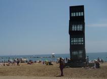 barceloneta, beach barcelona, beach sculpture barcelona