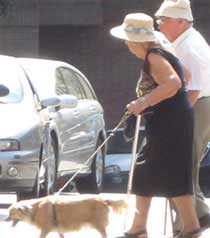 old couple barcelona, people in barcelona, dog
